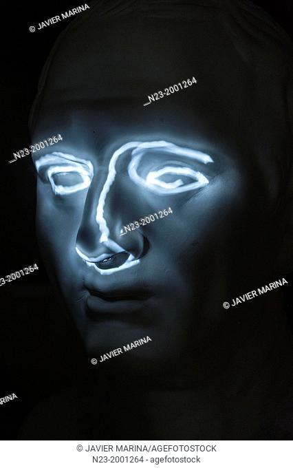 Bust drawn with light, valencia, España