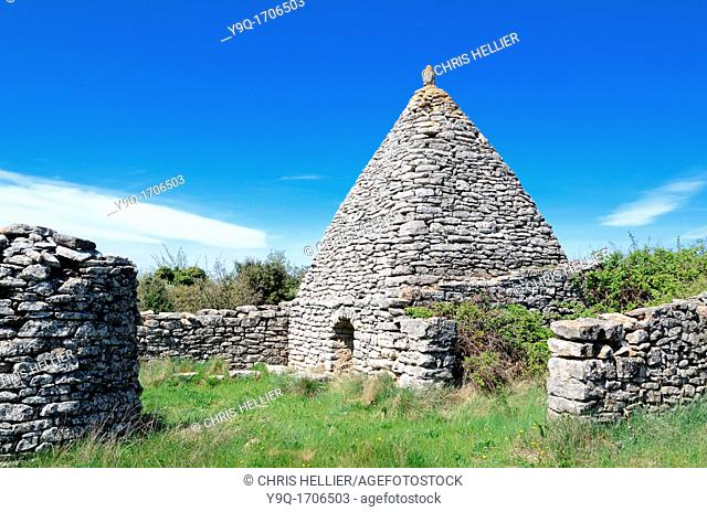 Dry-Stone or Stone Borie or Agricultural Hut near Apt Vaucluse Luberon Provence France