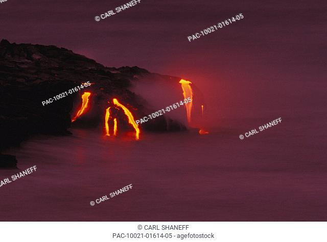 Hawaii, Big Island, Kilauea Volcano, lava flows into ocean
