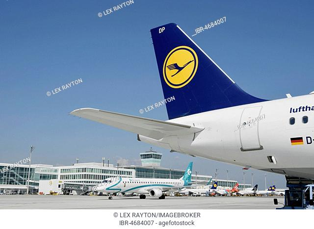 View of the East Apron, with Lufthansa and Air Dolomiti, Terminal 2, Munich Airport, Upper Bavaria, Bavaria, Germany