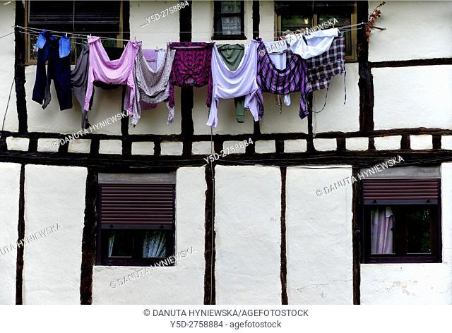 street scene, old town of Covarrubias, Ruta del Cid, Burgos province, Castilla-León, Castile and León, Castilla y Leon, Spain, Europe