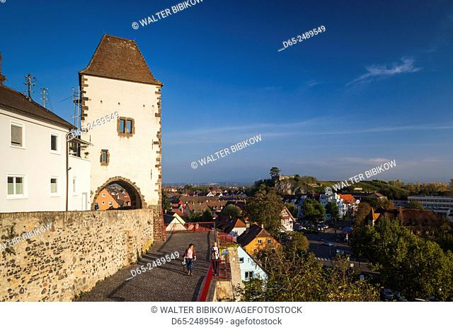 Germany, Baden-Wurttemburg, Black Forest, Breisach, buildings atop the Munsterberg, cathedral hill