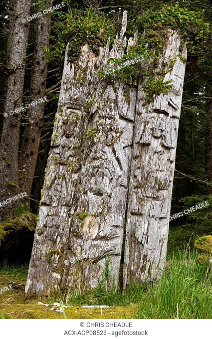 Kiusta Village, triple mortuary totem poles of Chief Edenshaw near Langara Island, Queen Charlotte Islands, British Columbia, Canada