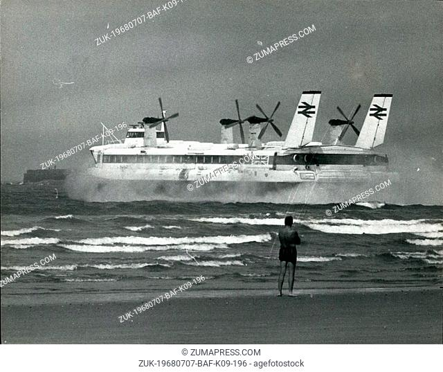 Jul. 07, 1968 - The World's Largest Hovercraft make its VIP passenger ------ ----- --- -- --- ---- crossing: The world's largest hovercraft the Mountbatten...