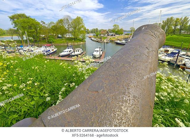 Historic Cannon, Historical Port, Woudrichem, Noord-Brabant Province, Holland, Netherlands, Europe
