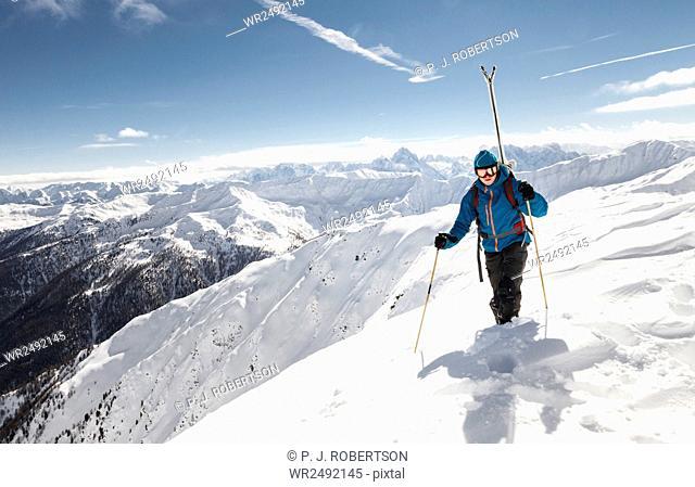Skitourer looking for ideal ski-run