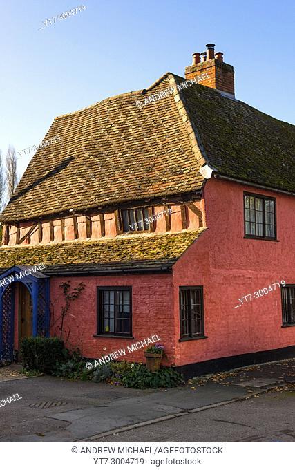 Old timber framed house on high st of Hemingford Grey village, Cambridgeshire, England, UK