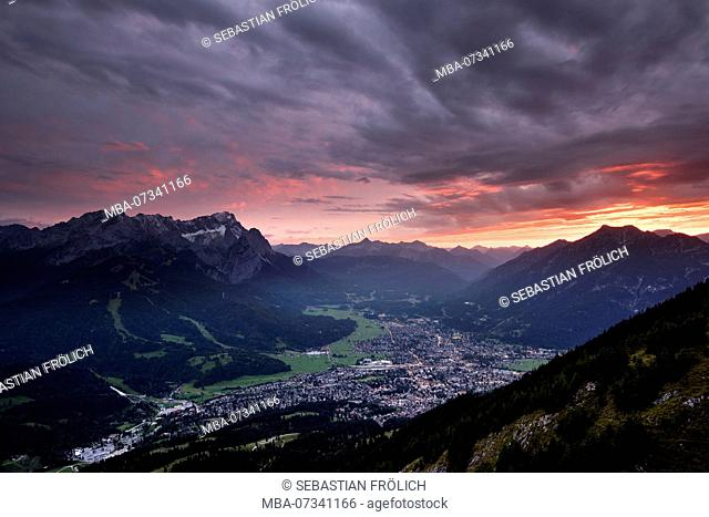 Sunset with views of Zugspitze and Garmisch-Partenkirchen, as well as the Ammergau Alps