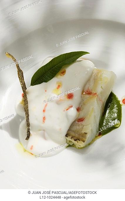 Cod fish with spinach sauce and its skin crunchy, El Corregidor restaurant, Almagro, Ciudad Real Province, Castilla la Mancha, Spain