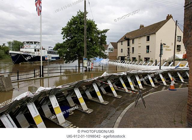 Flooded River Severn & flood barriers, Upton upon Severn, June 2007