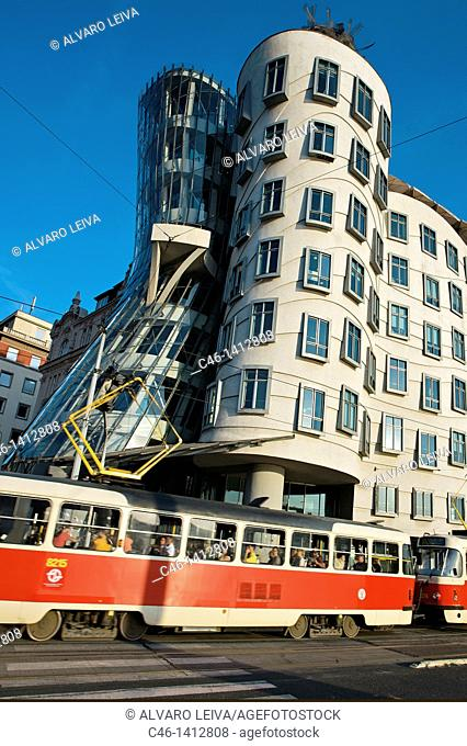 Dancing House by architects Gehry and Milunic, Prague, Prague, Czech Republic