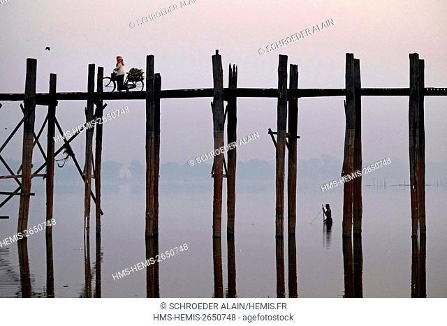 Myanmar, Mandalay, Mandalay Province, the U Bein Bridge is a teak bridge located on Lake Taungthaman in Amarapura