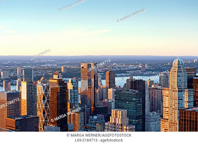 View from Rockefeller Center on Upper Westside with Hudson River, Manhattan, New York, USA