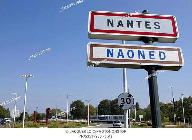 France, Nantes, road signs in French and Breton