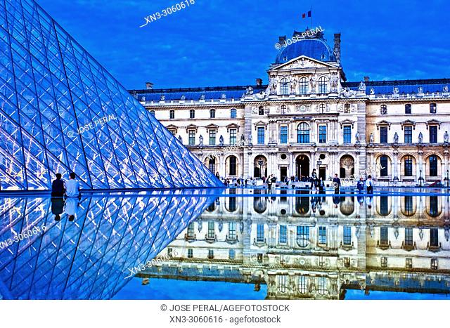 Entrance Louvre Museum, Musee du Louvre, Glass Pyramid, by architect I M Pei, main courtyard Cour Napoleon, Louvre Palace, art museum, Paris, France, Europe