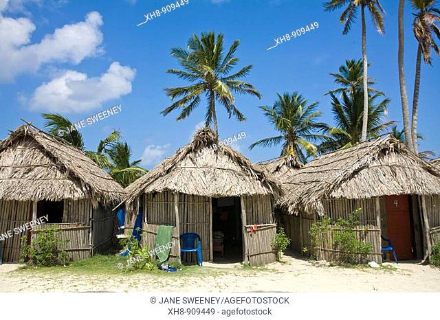 Tourist cabanas, Kuanidup Grande, San Blas Islands, Kuna Yala, Panama