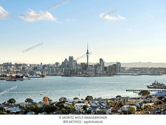 Waitemata Harbour, Sky Tower, skyline with skyscrapers, Central Business District, Auckland Region, North Island, New Zealand