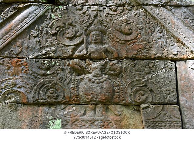 Stone carvings on the lintel above a doorway at Prasat Kra Chap temple part of Koh Ker 127 NE of Siem Reap, Cambodia, South East Asia, Asia