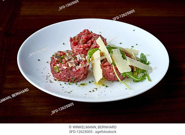 Beef tartare with Parmesan and rocket