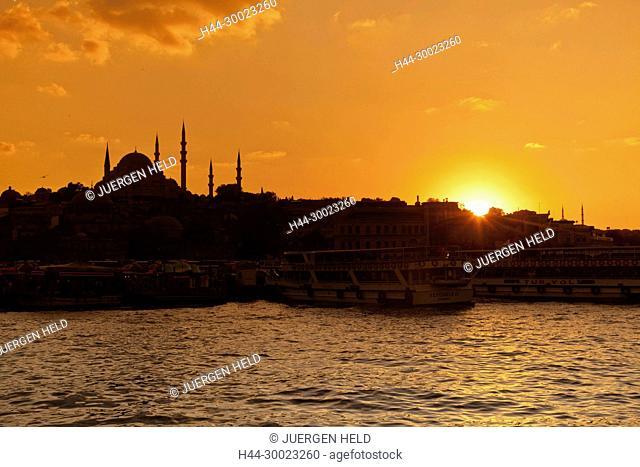 Golden Horn at sunset, Suleymaniye Mosque, Istanbul, Turkey Moschee