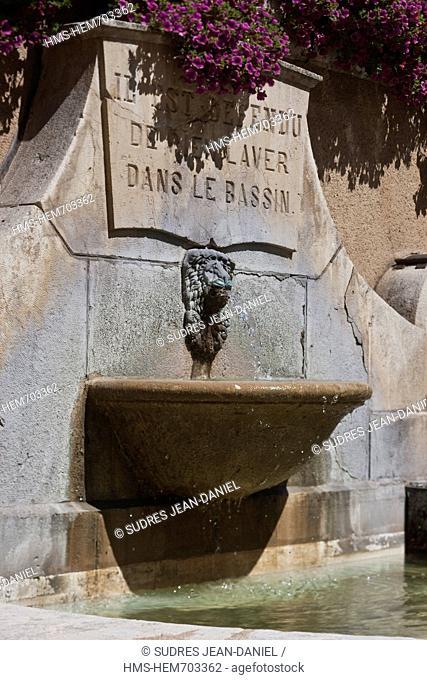 France, Lot, Cahors, old fountain, rue de la Barre