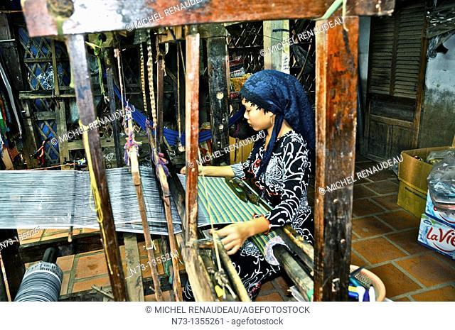 Vietnam, Can Tho province, Mekong Delta, Village of silk weaver