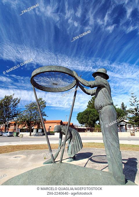 Tribute sculpture in honour to the rice farmer. Author: Emili Bonet. Amposta town. Ebro River Delta Natural Park, Tarragona province, Catalonia, Spain