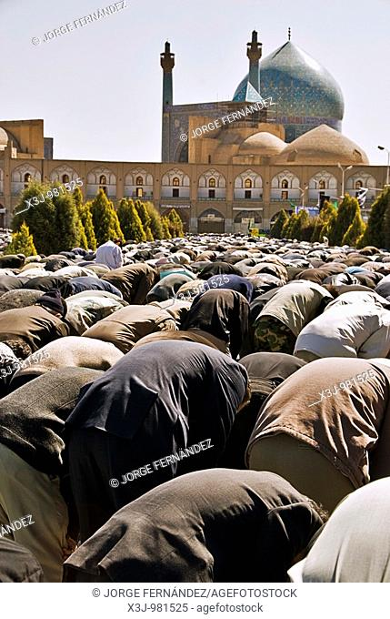 People gathered for the friday praying in front of the Iman's Mosque, Isfahan, Iran