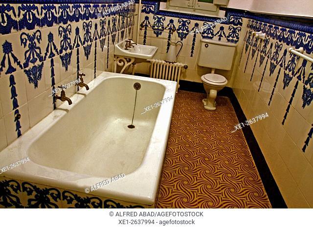 Bathroom, Vil.la Casals, Pau Casals Museum, El Vendrell, Tarragona, Catalonia, Spain