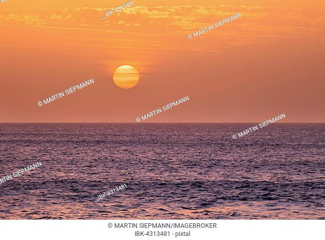 Sun setting over ocean, Atlantic, La Gomera, Canary Islands, Spain