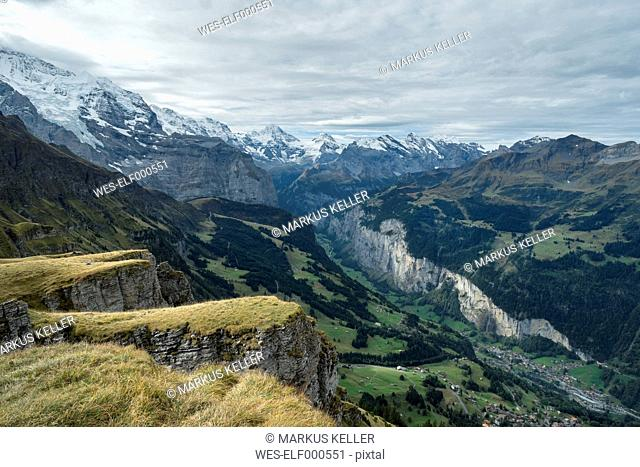 Switzerland, Berner Oberland, view from Maennlichen to Lauterbrunner valley