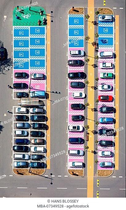 Women's parking, disabled parking, parking lot, parking, shopping center Ruhrpark Bochum at the B1, Ruhrschnellweg, greenfield shopping center, conversion