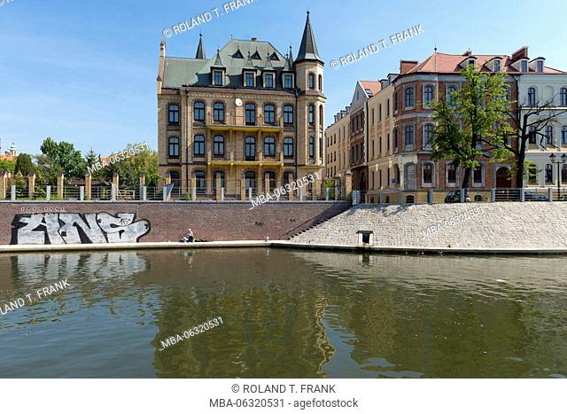 Poland, Wroclaw, row of houses on the Oder (river)