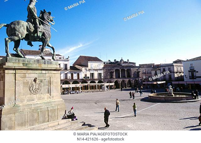 Monument to Franciso Pizarro in the Main Square, Trujillo. Cáceres province, Spain