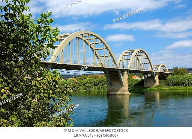 puente entre Mora la Nova y Mora d'Ebre Tarragona, Cataluña ,Spain