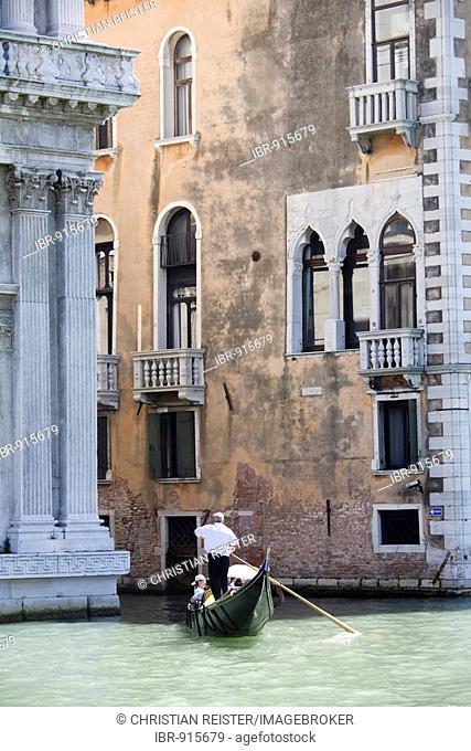 Canal with gondola, narrow canal between houses, Venice, Veneto, Italy, Europe