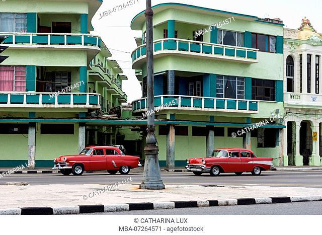 Cuba, Havana, Malecon, classic car