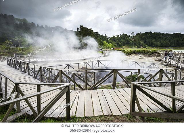 Portugal, Azores, Sao Miguel Island, Furnas, Lago das Furnas lake, lakeside caldeiras, volcanic activity