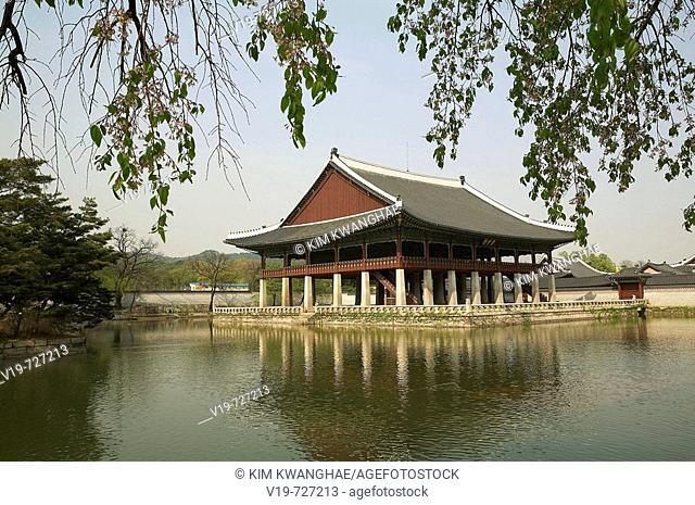 Gyeonghoenu Pavilion, Gyeongbokgung Palace, Seoul, South Korea