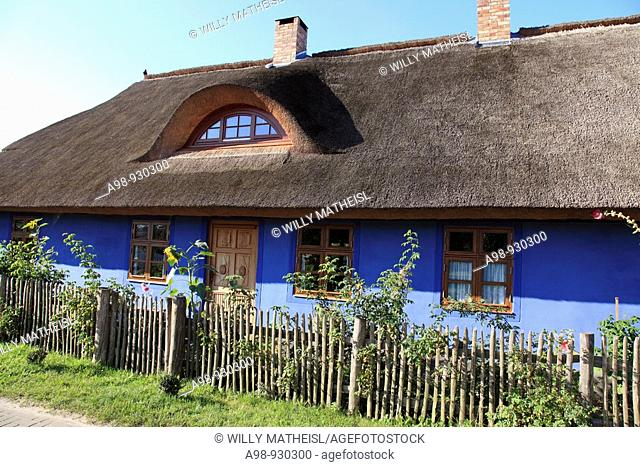 traditional reed covered cottage at Lieper Winkel, Island Usedom, West Pomerania, Germany, Europe
