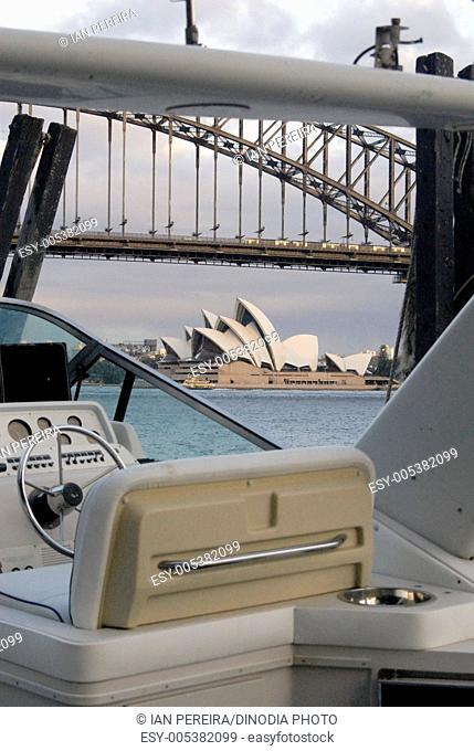 Opera house thru a speed boat ; Sydney ; Australia
