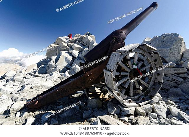 Cannon 149 G heavy gun used by italians during WW I, Cresta Croce - 3290 m, Adamello-Brenta Natural Park, the Alps, Trentino, Italy