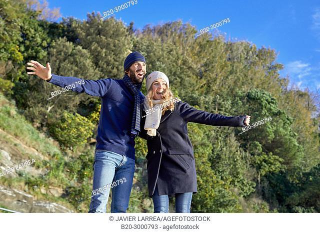 Couple on the Santa Clara Island, Donostia, San Sebastian, Gipuzkoa, Basque Country, Spain, Europe, Winter