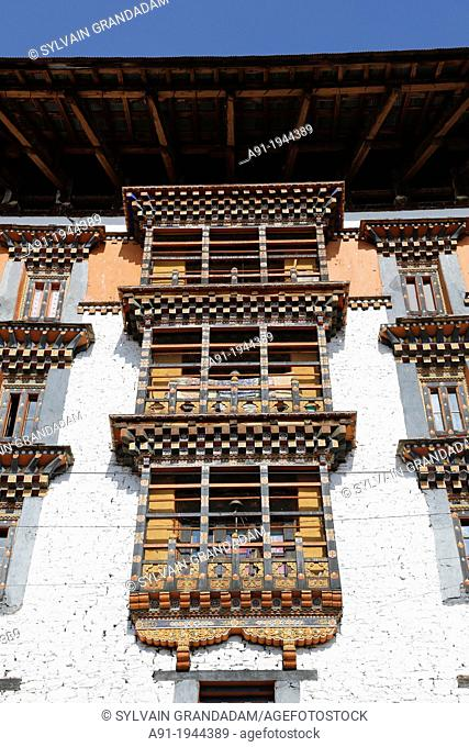 Bhutan (kingdom of), District of Paro, the City, the Dzong built in 1646 by the famous Shabdrung Namgyel, burnt in 1907 and rebuilt later on in an identical way