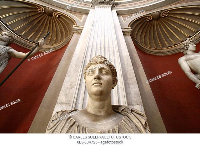 Contrapicado de esculturas del Museo Vaticano, Italia