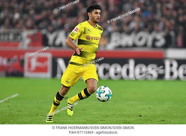Mahmoud Dahoud (Borussia Dortmund), Aktion,Einzelaktion,Einzelbild, Freisteller,Ganzkoerperaufnahme,ganze Figur. Fussball 1. Bundesliga, 12