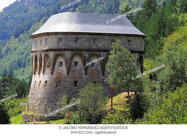 Los Fusileros tower. Pirineos mountains. Canfranc. Huesca province. Aragón. Spain