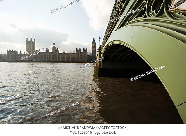 Palace of Westminster and close-up of Westminster Bridge