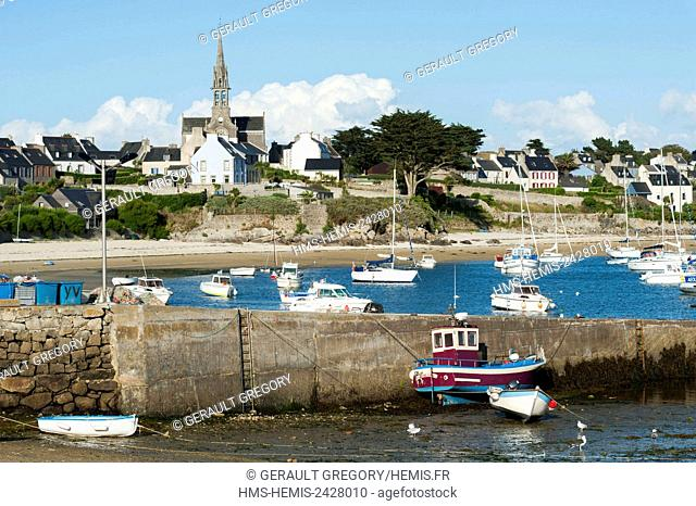 France, Finistere, Ponant islands, Batz Island, beach, dike and boats, village and church of Our Lady of Good Help