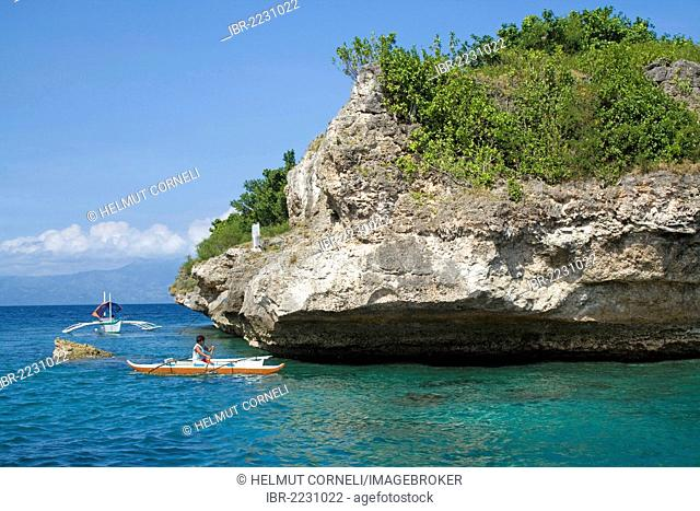 Fishing boat off Pescador Island, well-known dive site and marine park, Moalboal, Cebu, Philippines, Indo-Pacific region, Asia